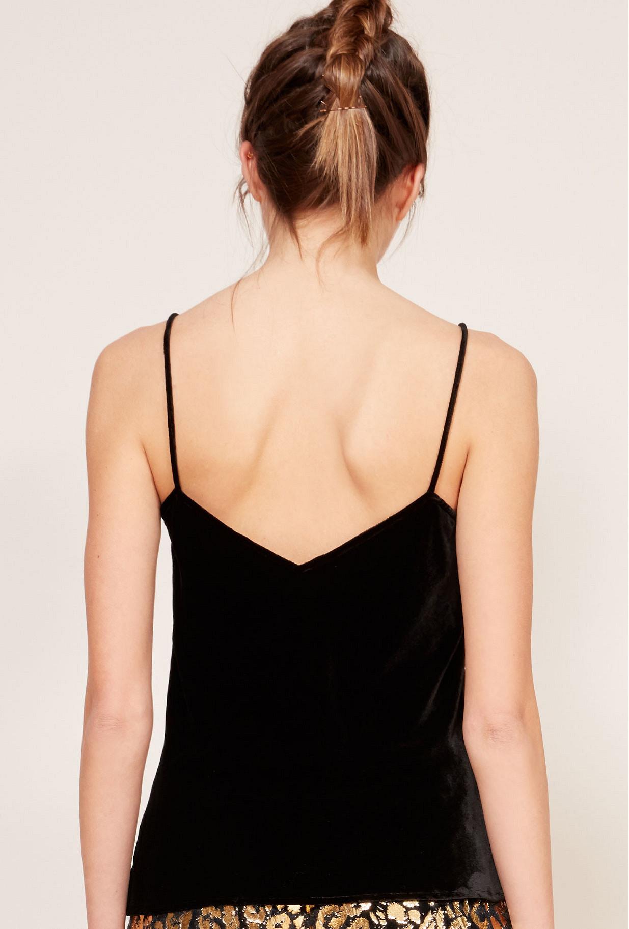 Paris clothes store Top  Met french designer fashion Paris