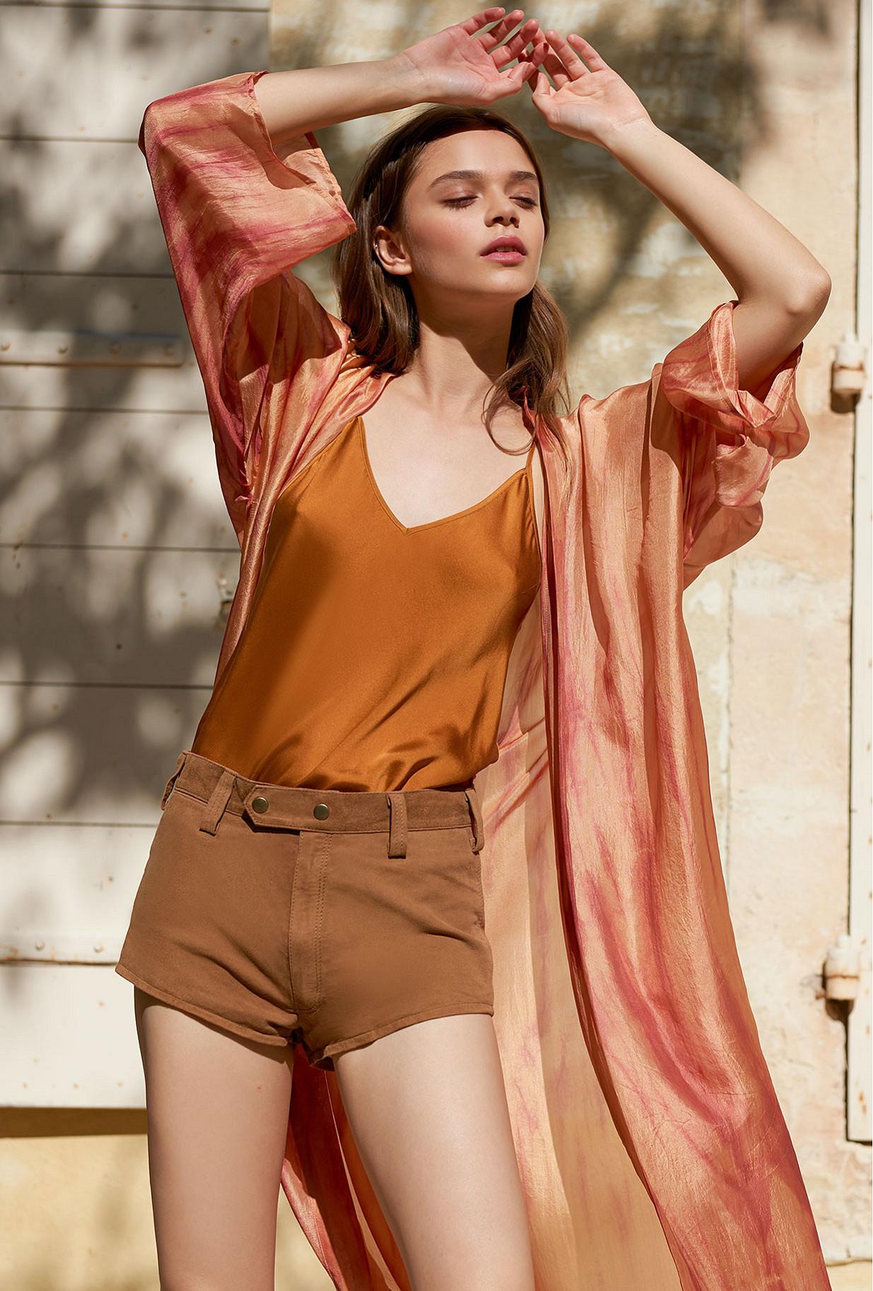 women clothes Short  Chilli
