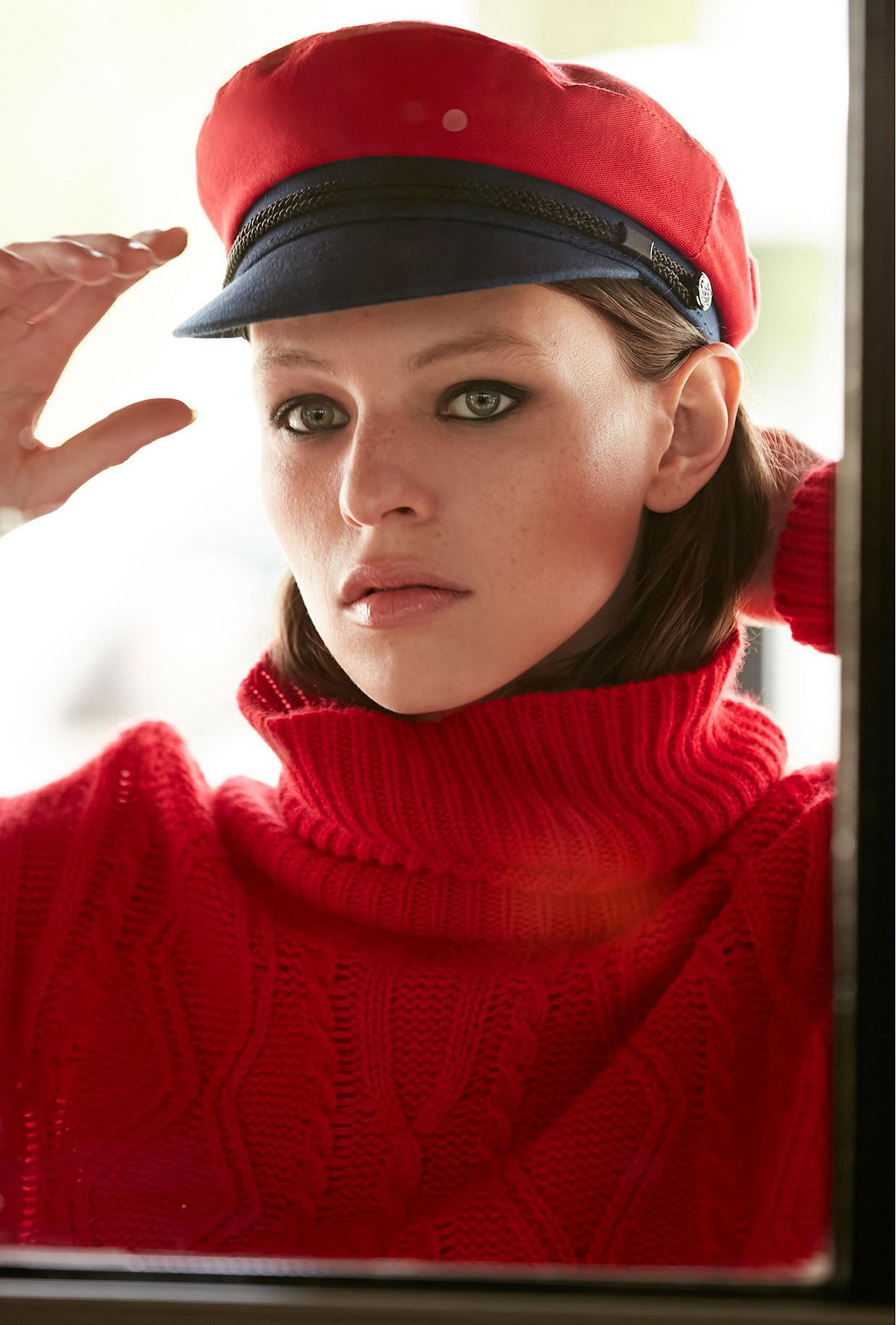 Red Sweaters Clash Mes Demoiselles Paris