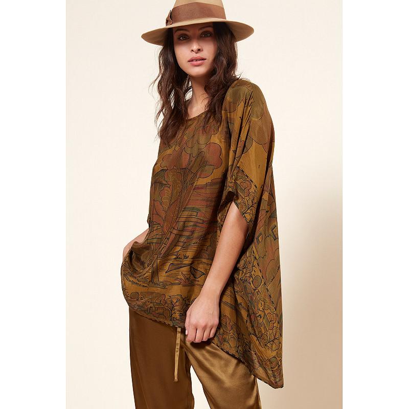 Paris clothes store PONCHO  Cyan french designer fashion Paris