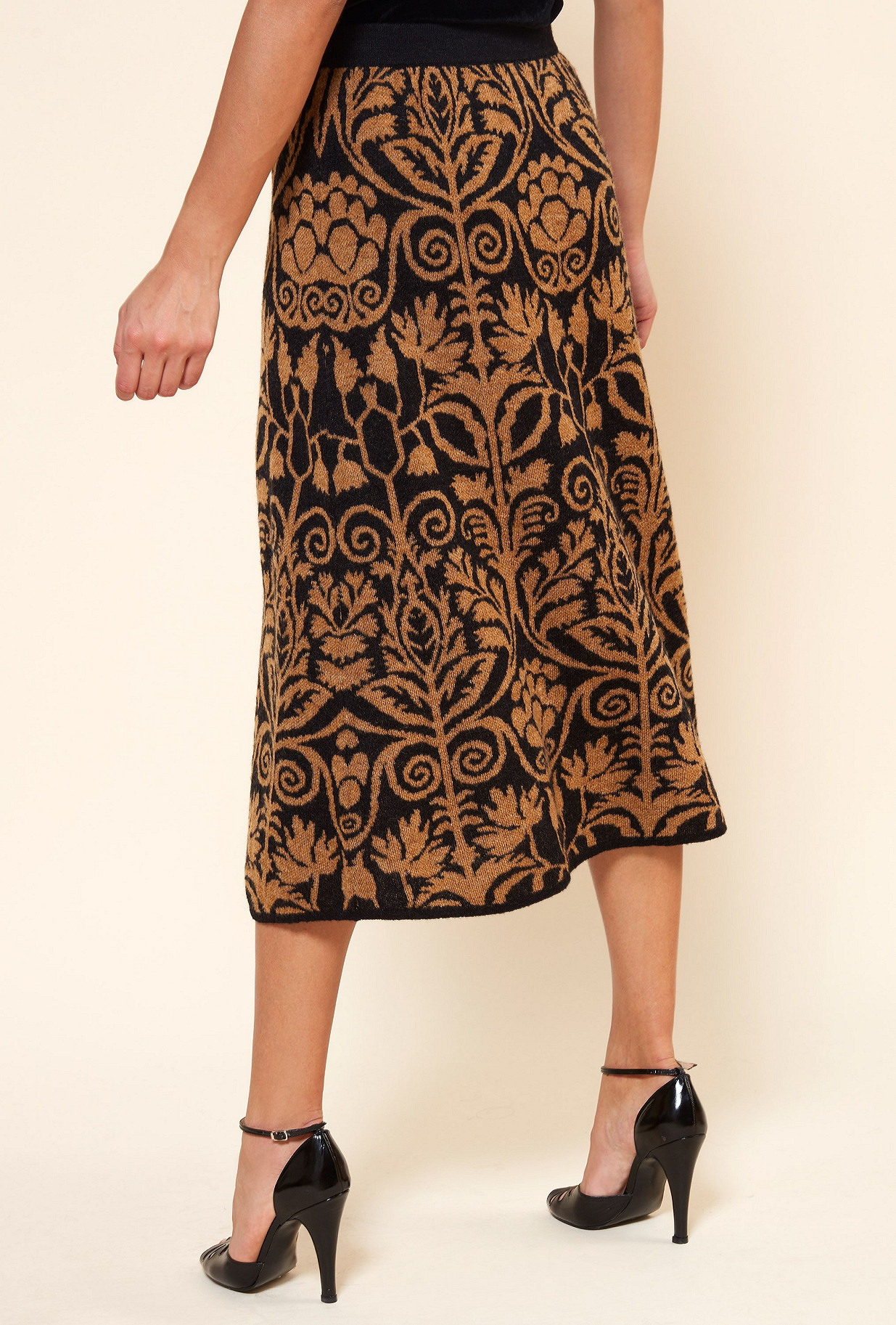 Black print Skirt Yogi