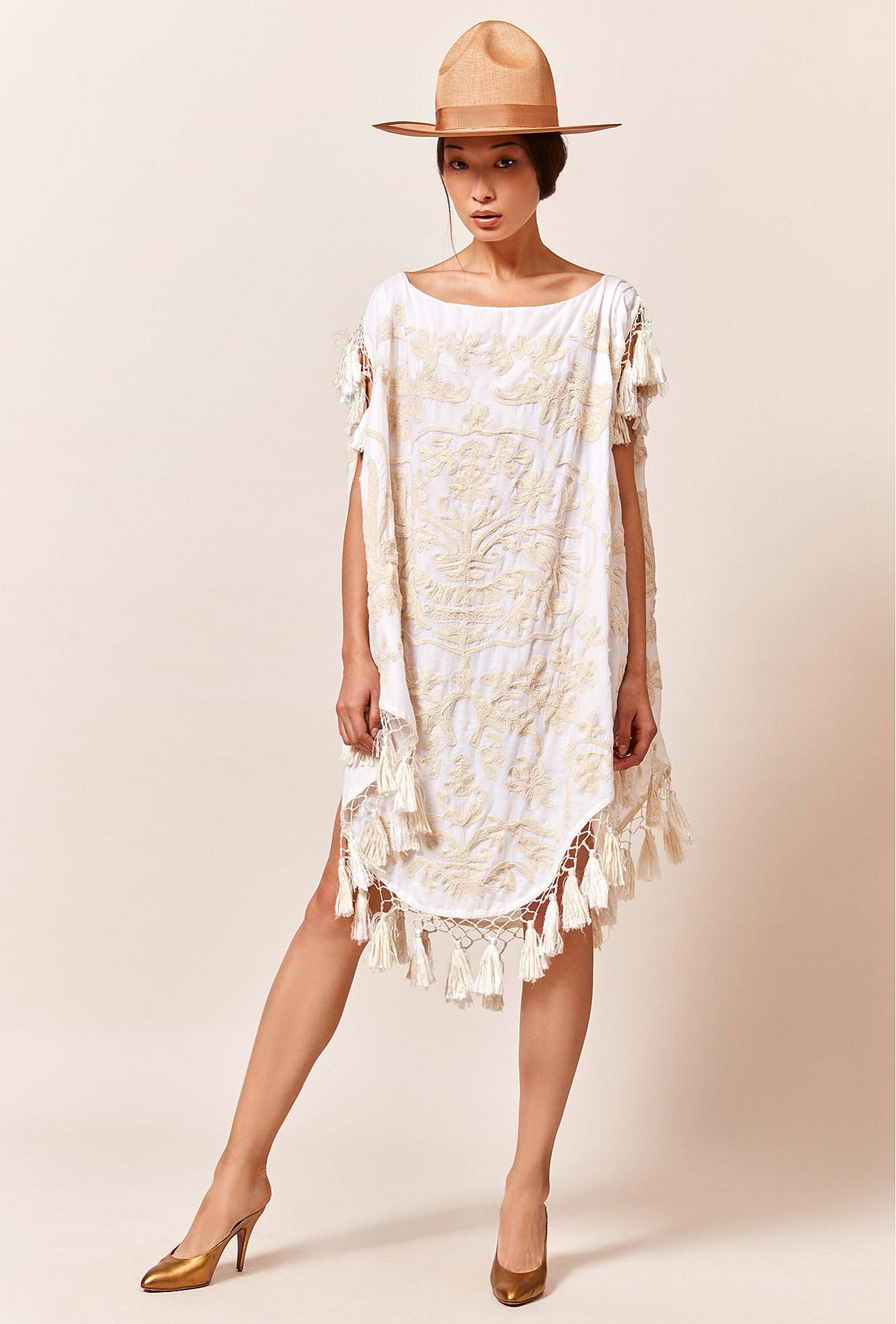 Paris clothes store Poncho  Bora-bora french designer fashion Paris