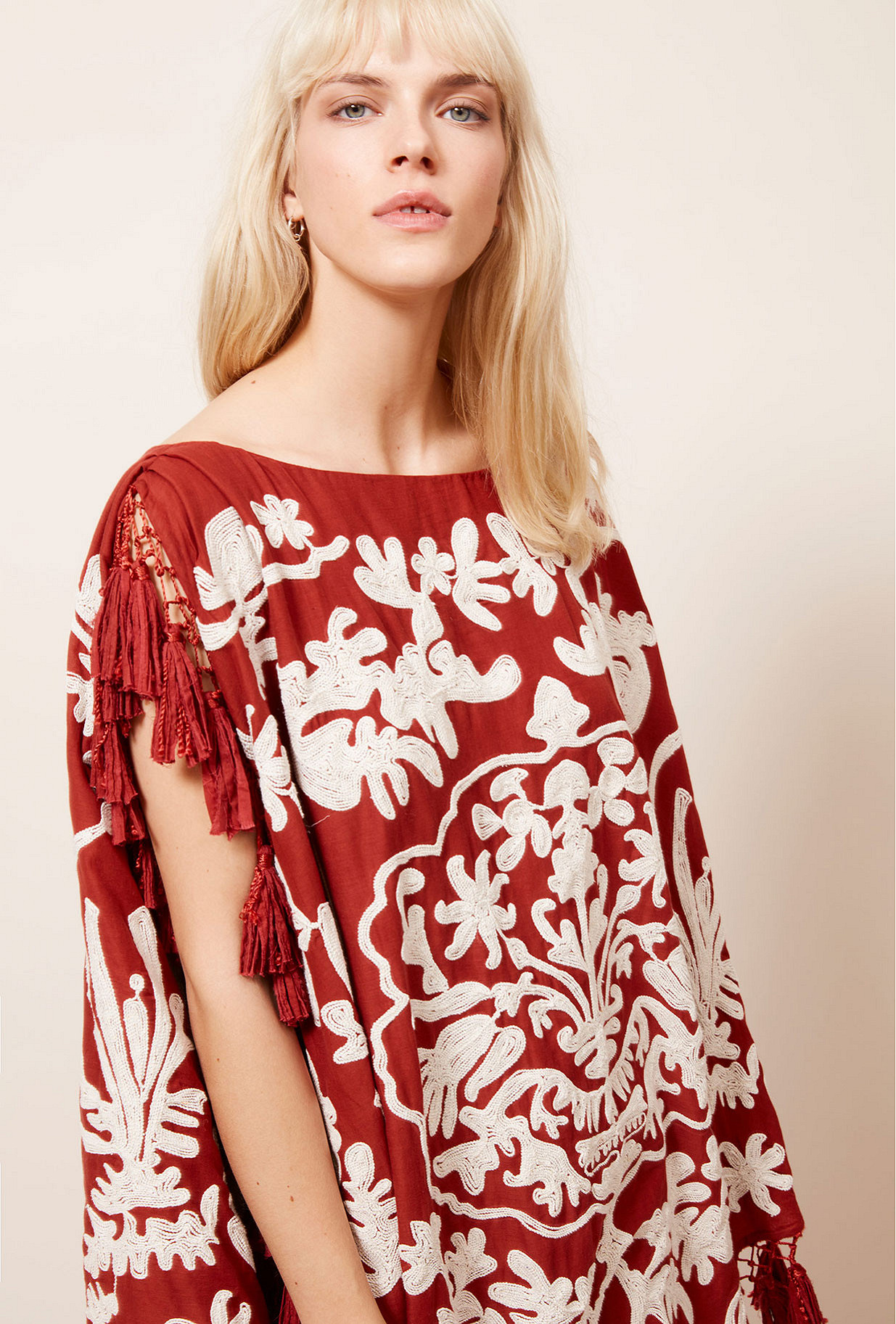 Paris clothes store Poncho  Bora-bora french designer fashion Paris