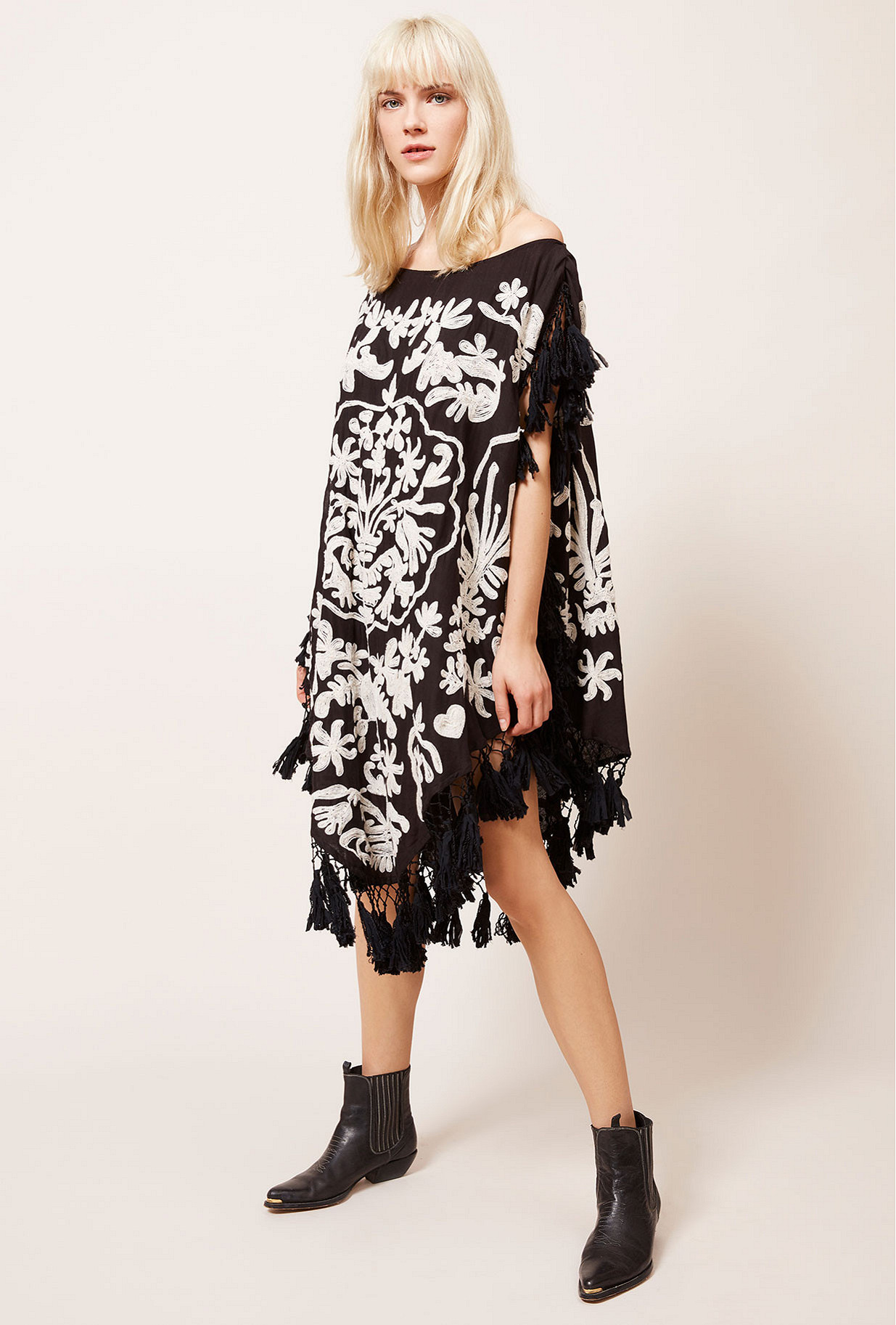 Paris boutique de mode vêtement Poncho créateur bohème Bora-bora